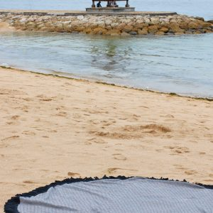 round-beach-towel-black