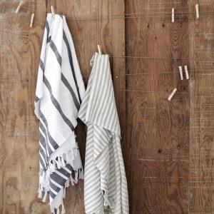 Tulum grå hamamhanddukar på vägg