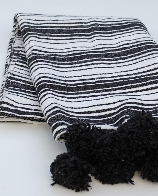 Stripy pompompläd