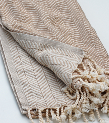 Beige monochrome handduk