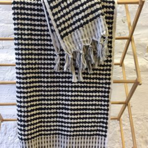natural-towel-black