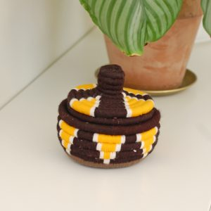 Marockansk korg i gult o brunt