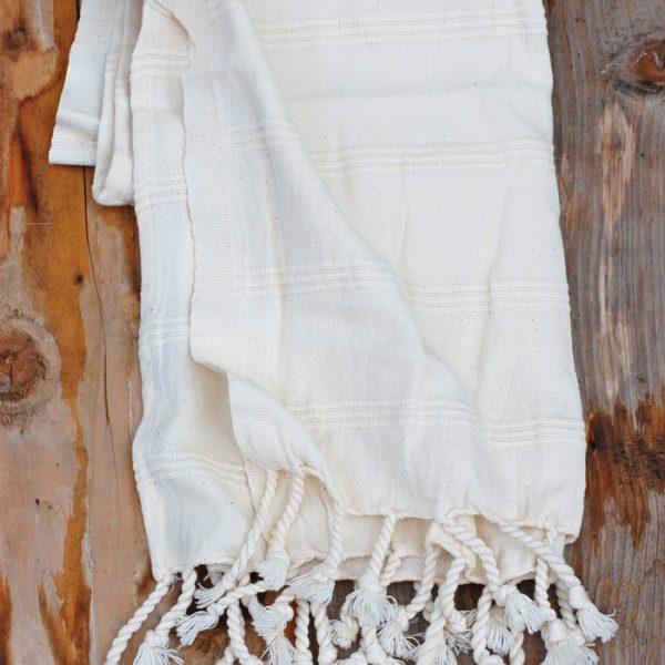 Dusty white hamamhanddukar