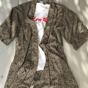 Leopard mönstrad kimono